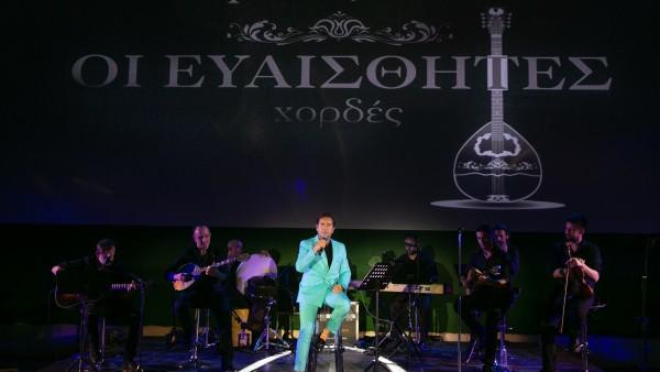 Γιώργος Μαζωνάκης: Η διπλή διάκριση και η unplugged μουσική συνάντηση