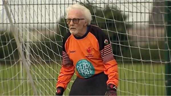 Τερματοφύλακας ετών 88 σε ομάδα της Ουαλίας