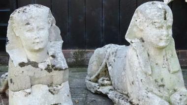 Οικογένεια έβγαλε 230 χιλ. ευρώ από παλιατζούρες στον κήπο: Ήταν αληθινά αρχαία αγάλματα