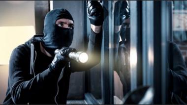 Απελπισμένος κλέφτης άφησε σημείωμα σε ιδιοκτήτες σπιτιού