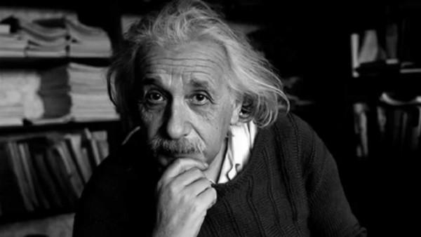Τα 3 υλικά που δεν έλειπαν από το πρωινό του Αϊνστάιν