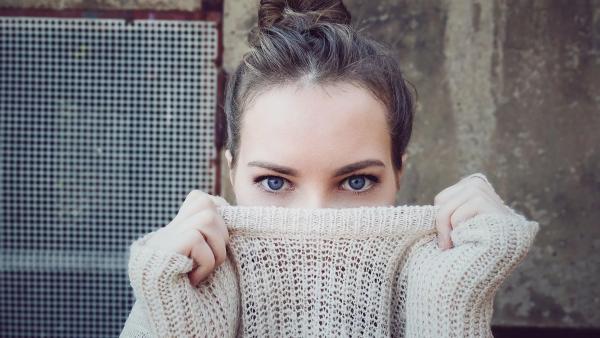 Πουλάνε πουλόβερ 1.450 δολαρίων που σε κάνει να μοιάζεις φτωχός