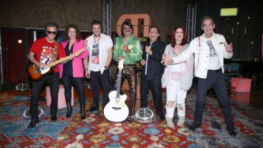 Mega: Δεν ξανάγινε τέτοιο πάρτι στην TV με τον Τόνι Σφήνο