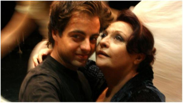 Το Θέατρο στον Κόσμο: «Με τη Σιωπή » του Αλεχάντρο Κασόνα, με τη Μίρκα Παπακωνσταντίνου