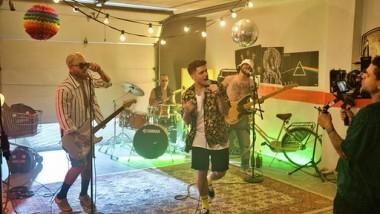 «Δεν Φταις Εσύ»: Backstage από το νideo clip του νέου hit του SΤΑΝ Aντιπαριώτη